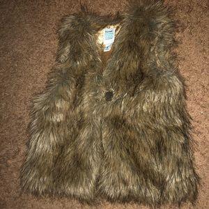 Faux Fur Vest (girls)
